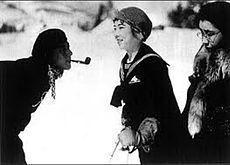 学生ロマンス 若き日1929年右端が飯田.jpg