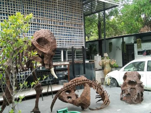 pict-1527575958097恐竜模型.jpg