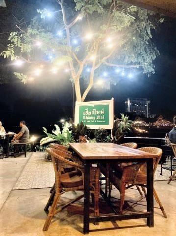 pict-1548279729063リンピン川沿いレストラン  (1).jpg