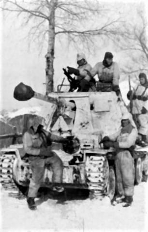 pict-1943年、ハリコフで第1SS装甲師団。戦車はマルダーII.jpg