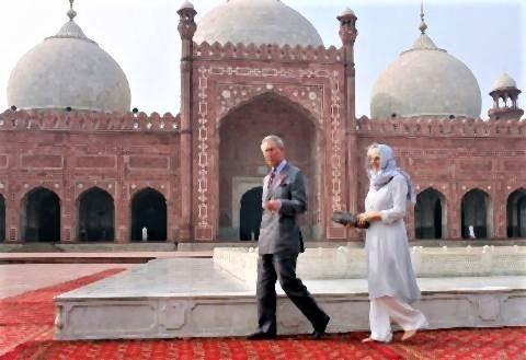 pict-2006年にチャールズ皇太子とカミラ夫人がパキスタンに訪問.jpg