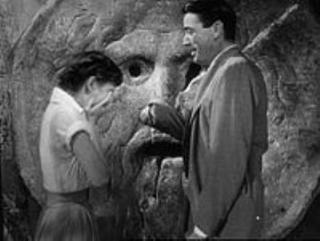 pict-200px-Audrey_Hepburn_and_Gregory_Peck_at_the_Mouth_of_Truth_Roman_Holiday_trailer.jpg