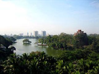 pict-200px-Kandawgyi_Lake,_Yangon.jpg