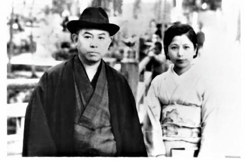 pict-2番目の妻の丁未子、左側潤一郎.jpg