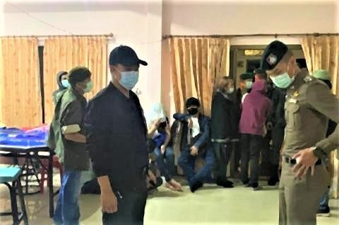 pict-34 gamblers arrested in Chiang Mai raid.jpg