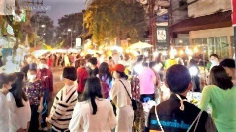 pict-Chiang Mai weekend markets, walking streets.jpg