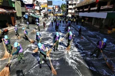 pict-Cleaning Khaosan Road.jpg
