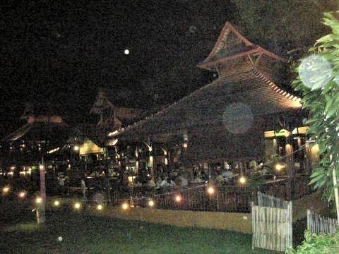 pict-DSCN1381鉄橋のレストラン.jpg