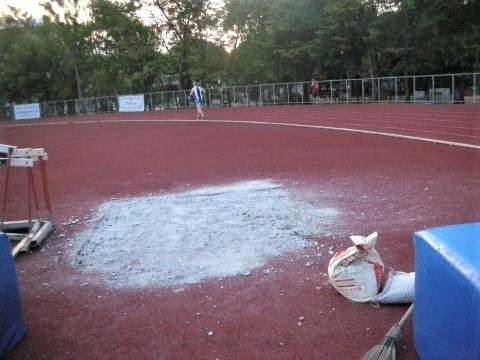 pict-DSCN4529チェンマイ市営競技場 (1).jpg