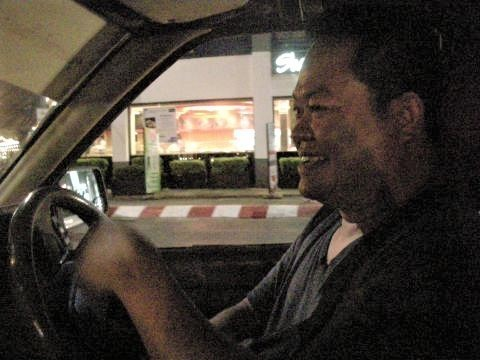 pict-DSCN5300ソンテウ運転手 (1).jpg