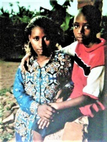 pict-DSCN6358ルワンダの母子 (3).jpg