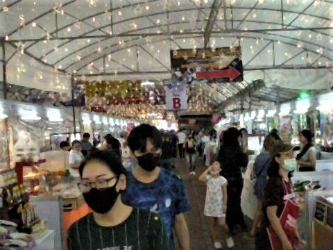 pict-DSCN7303アヌサーン市場 (5).jpg