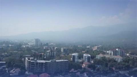 pict-Doi Suthep disappears in haze.jpg