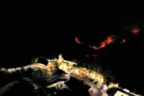 pict-Doi Suthep fire.jpg