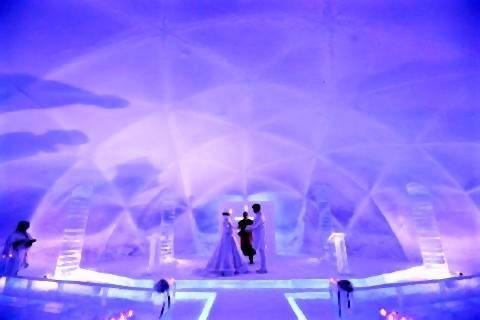 pict-「氷の教会」。「氷のホテル」と同じアイスヴィレッジ内にある.jpg