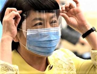 pict-「特製シールドマスク」社民党の福島瑞穂党首.jpg