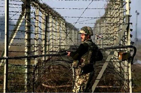 pict-インドとパキスタン国境.jpg