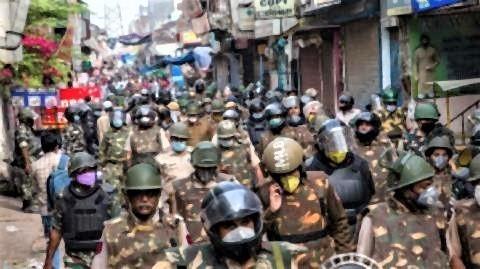 pict-インド国内では警察官が巡回し.jpg