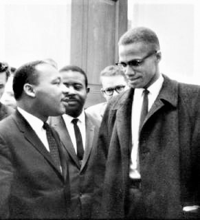 pict-キング牧師とマルコムX(1964年3月26日.jpg