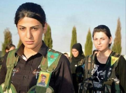 pict-コバニ陥落とクルド人女性兵士.jpg