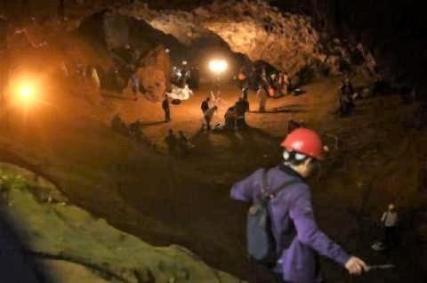 pict-タイ洞窟救出の舞台裏.jpg