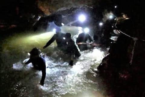 pict-タイ洞窟救出の舞台裏2.jpg