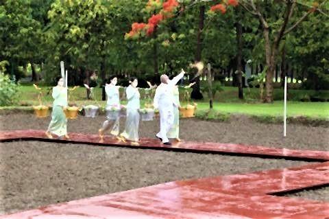 pict-タイ語で農耕祭3.jpg