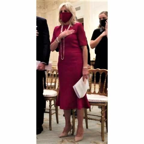 pict-ドレスと同色の「赤色マスク」.jpg