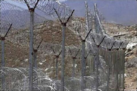 pict-パキスタンとアフガニスタン国境2.jpg