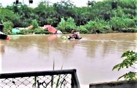 pict-パタヤ洪水2.jpg
