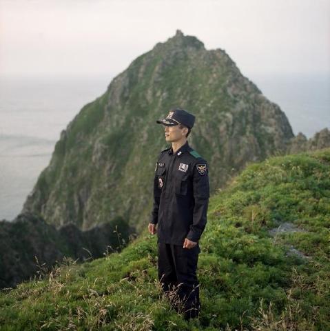 pict-フランス人写真家が見た竹島11.jpg