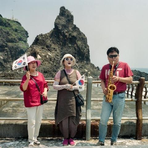 pict-フランス人写真家が見た竹島4.jpg