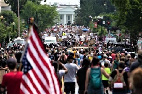 pict-ホワイトハウス周辺で行われた抗議デモ.jpg