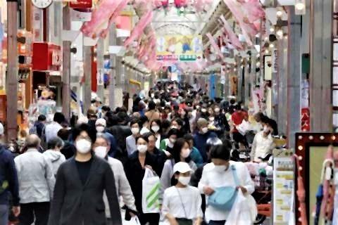 pict-マスク姿の人が目立つ武蔵小山商.jpg