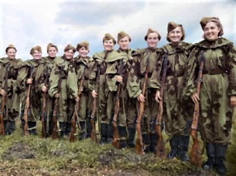 pict-ロシアのスナイパー女性兵士.jpg