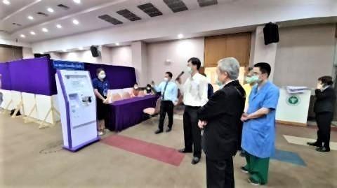 pict-ワクチンがナコンピン病院に到着.jpg
