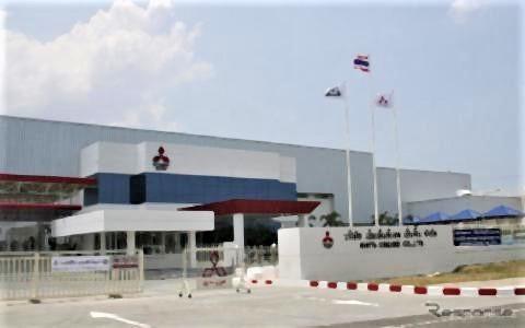 pict-三菱自動車、タイのエンジン工場.jpg