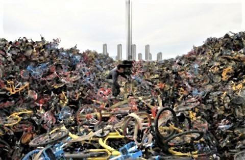 pict-中国が大量生産しまくった自転車の山3.jpg