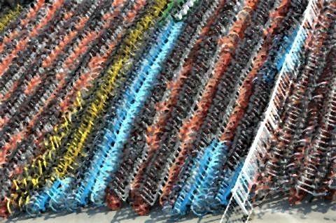 pict-中国が大量生産しまくった自転車の山4.jpg