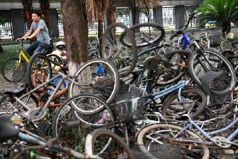 pict-中国のシェア自転車.jpg