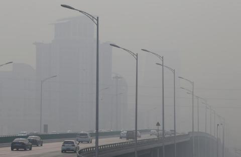 pict-中国の広範囲で冬の大気汚染.jpg