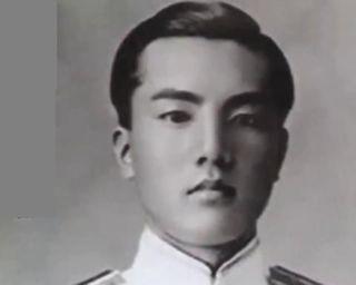 pict-中曽根康弘の若い頃海軍将校.jpg