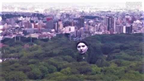 pict-代々木公園に巨大な「誰かの顔」 2.jpg