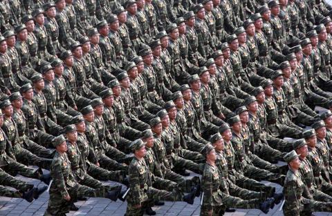 pict-北朝鮮軍事パレード.jpg