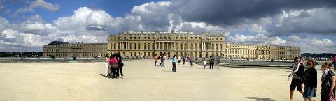 pict-庭園側から見たヴェルサイユ宮殿.jpg