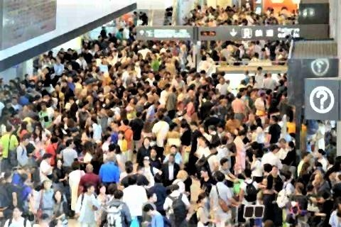 pict-成田空港、1万4000人足止め.jpg