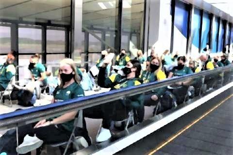 pict-抗原検査を待つソフトボール・オーストラリア代表団(2021年6月1日撮影.jpg