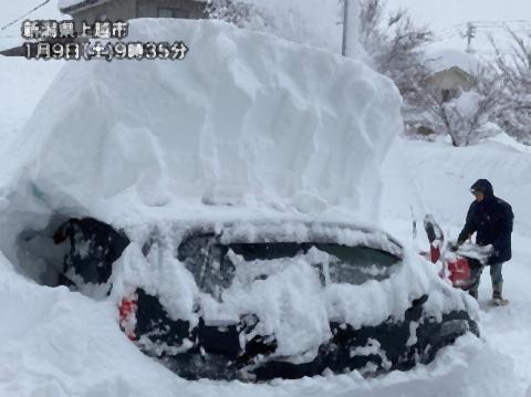 pict-日本とスペインでは記録的な大雪.jpg