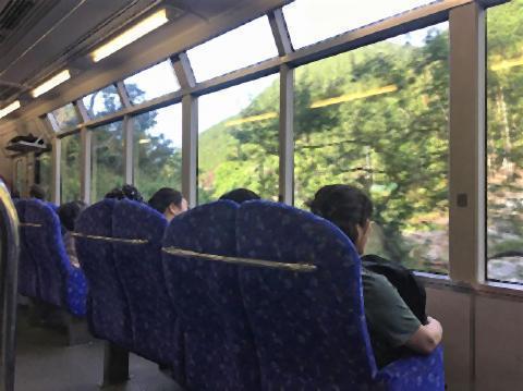 pict-日本の景色を楽しめる電車.jpg