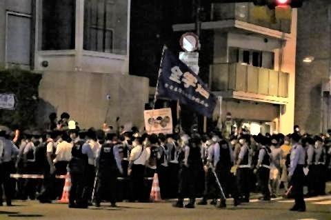 pict-東京五輪】開会式開始後も国立競技場付近での五輪反対デモは続いた.jpg